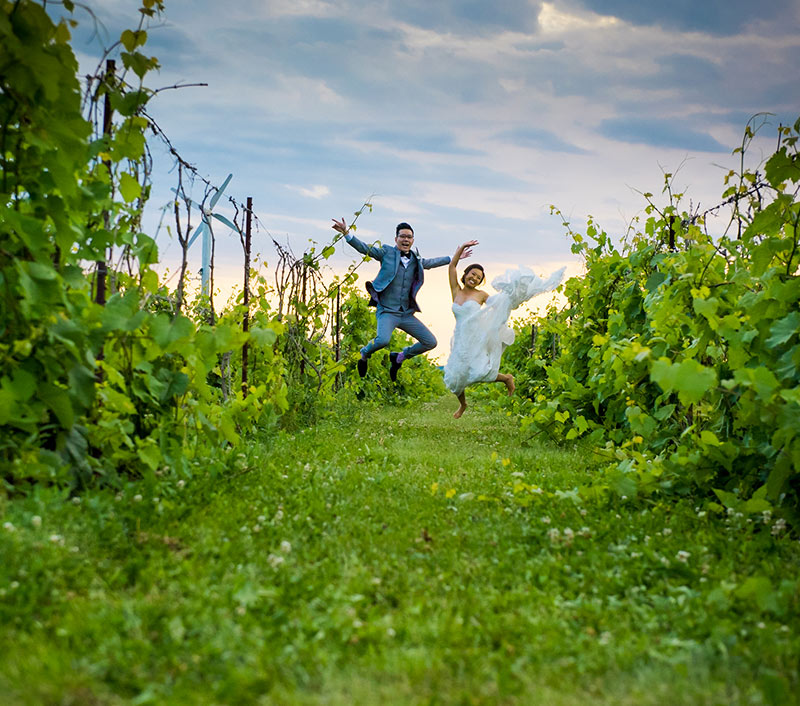 Fun wedding photo jumpshot